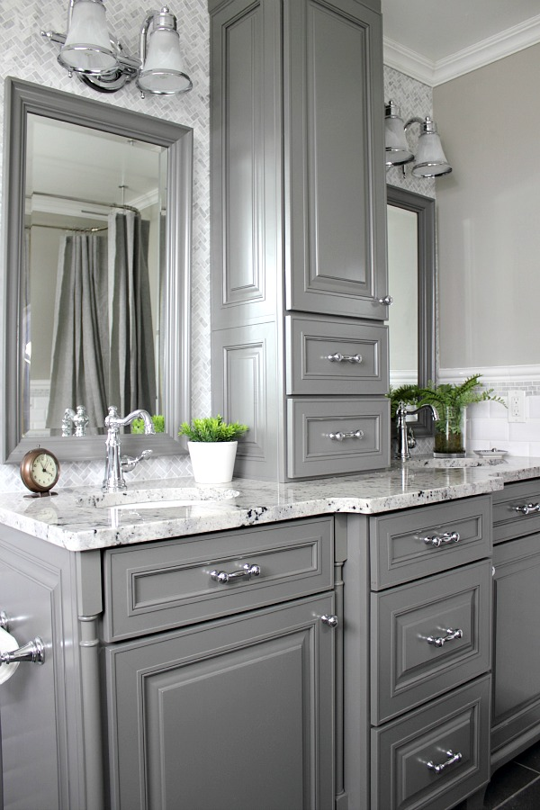 gorgeous design trends for 2016, this is one of my favorites! Grey painted cabinets