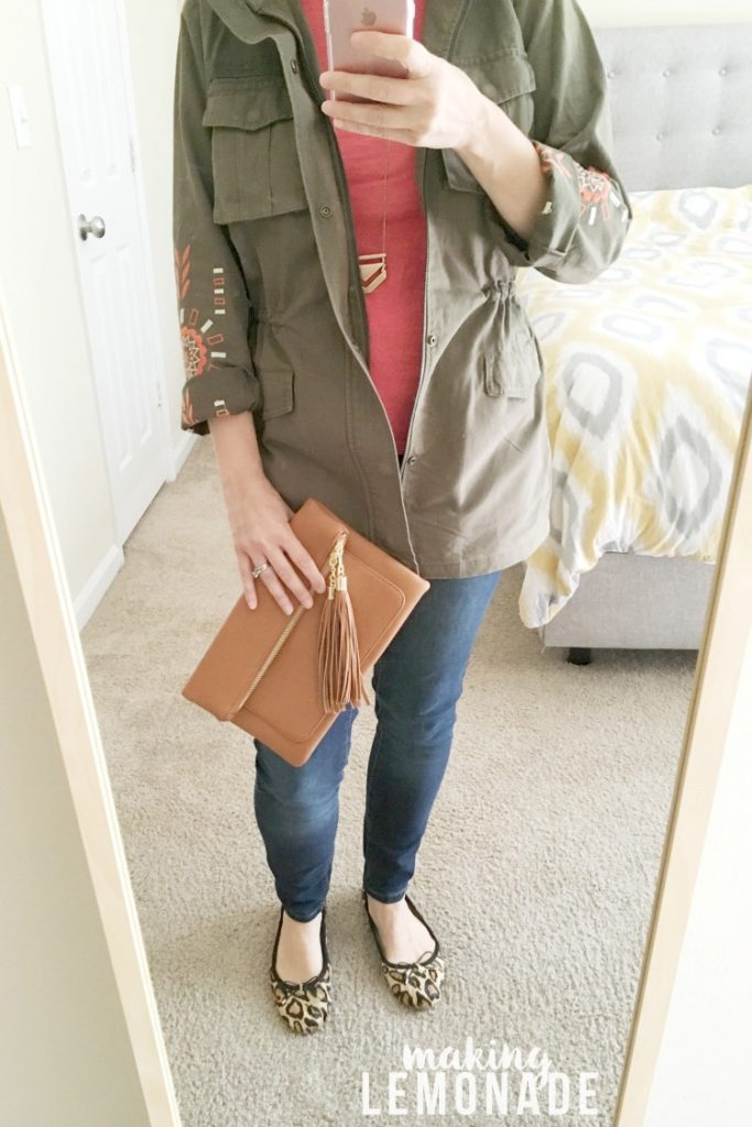 this cargo jacket is an essential part of your fall fashion wardrobe!