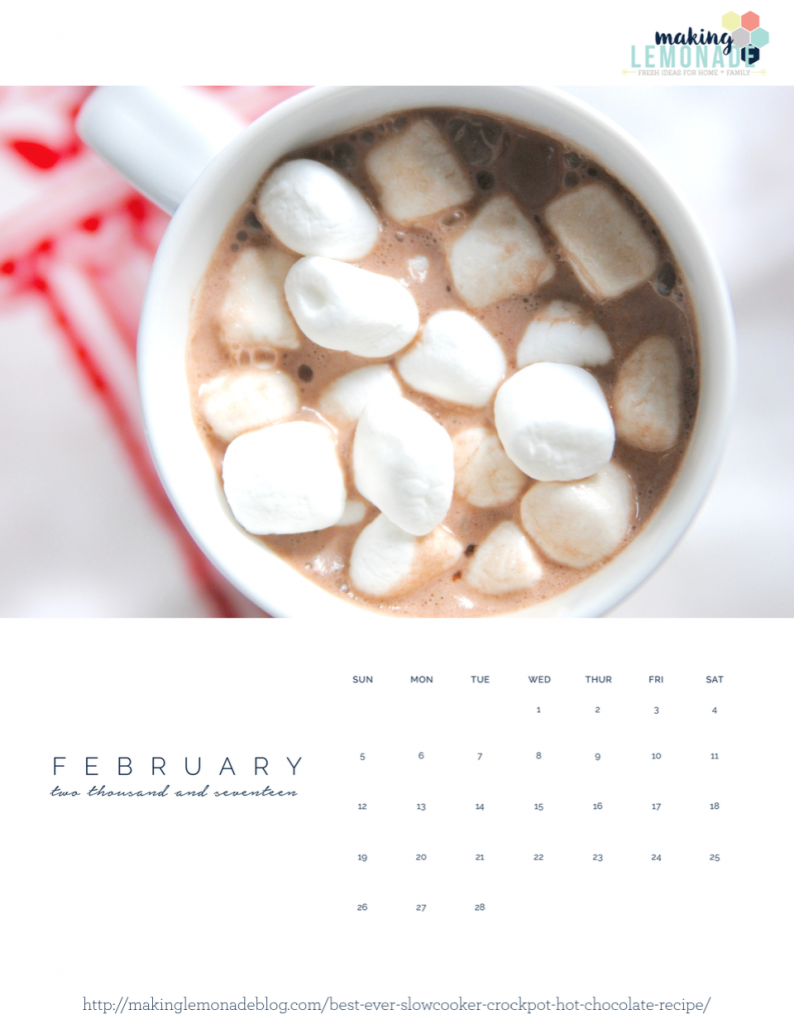 get this free printable photo calendar and organized your schedule in style!