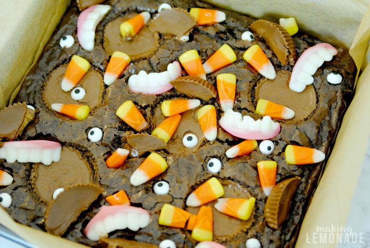 These Halloween brownies look so good and use a boxed brownie mix! Making these for our next Halloween party!