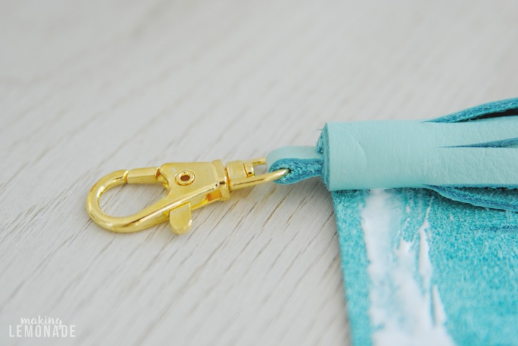 These DIY leather tassel keychains are a cinch to make and can be used as on-the-go essential oil diffusers too. Great DIY gift idea!