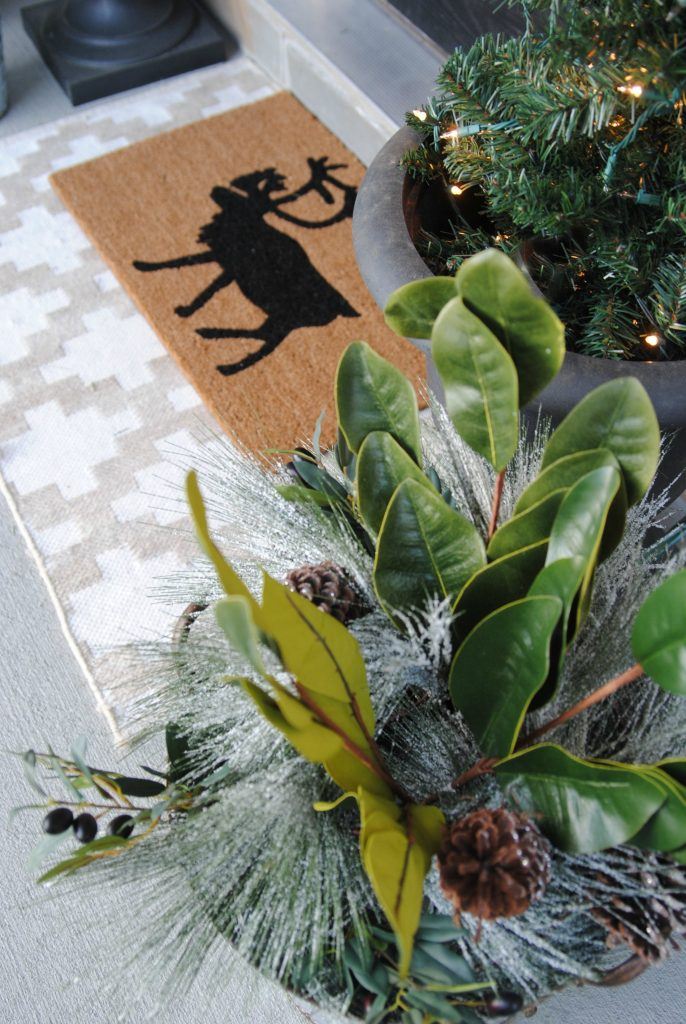 love these festive front porch DIY holiday decorations and fairy light moss wreath tutorial!