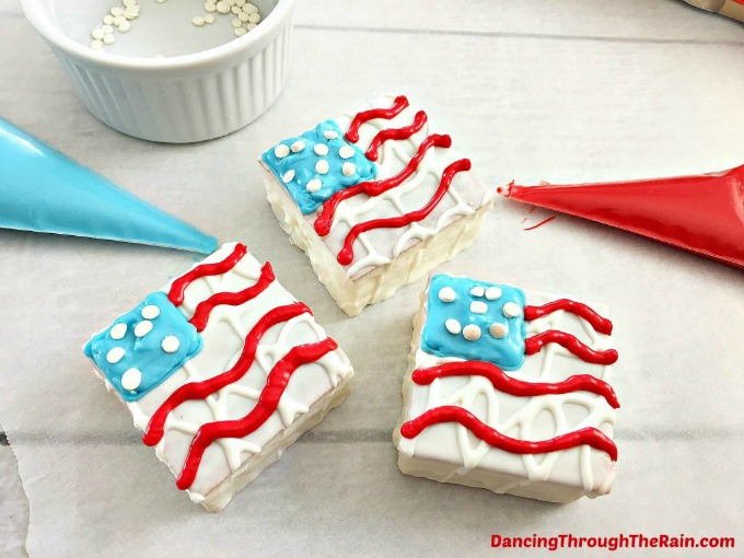 Patriotic Snack Cakes from Dancing Through the Rain