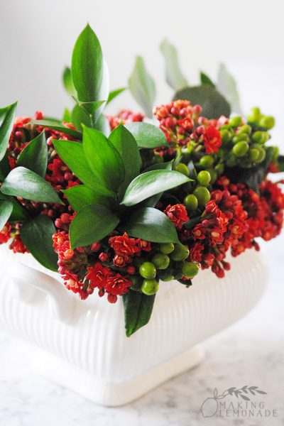 Easy DIY Flower Arrangements Using Grocery Store Flowers