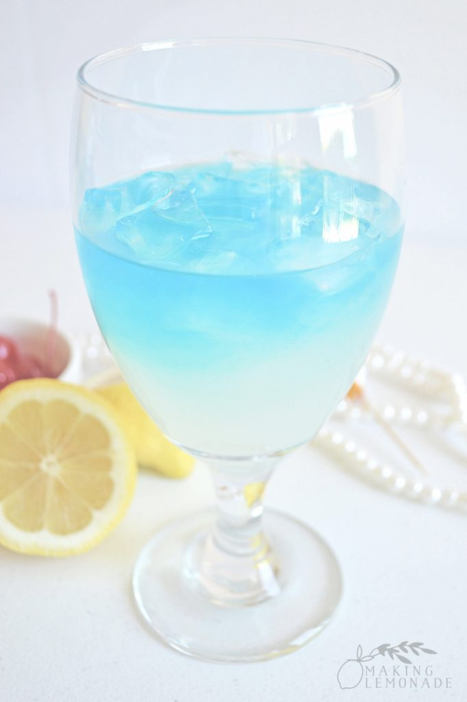 Tipsy Mermaid Lemonade Cocktail Recipe (Lemonade Rum Punch)