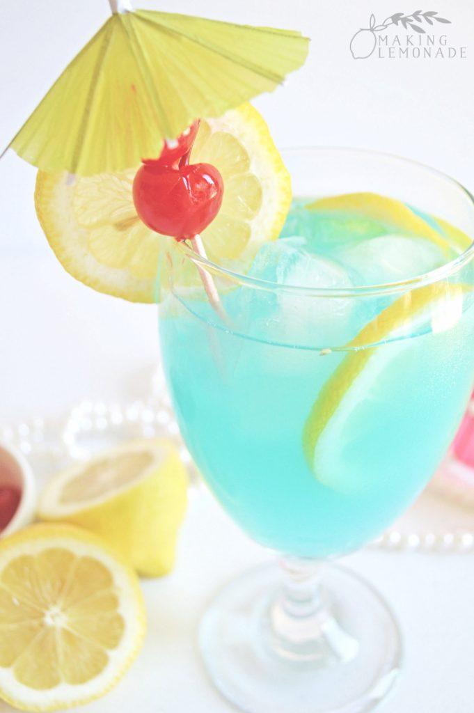 Tipsy Mermaid Lemonade Cocktail with rum