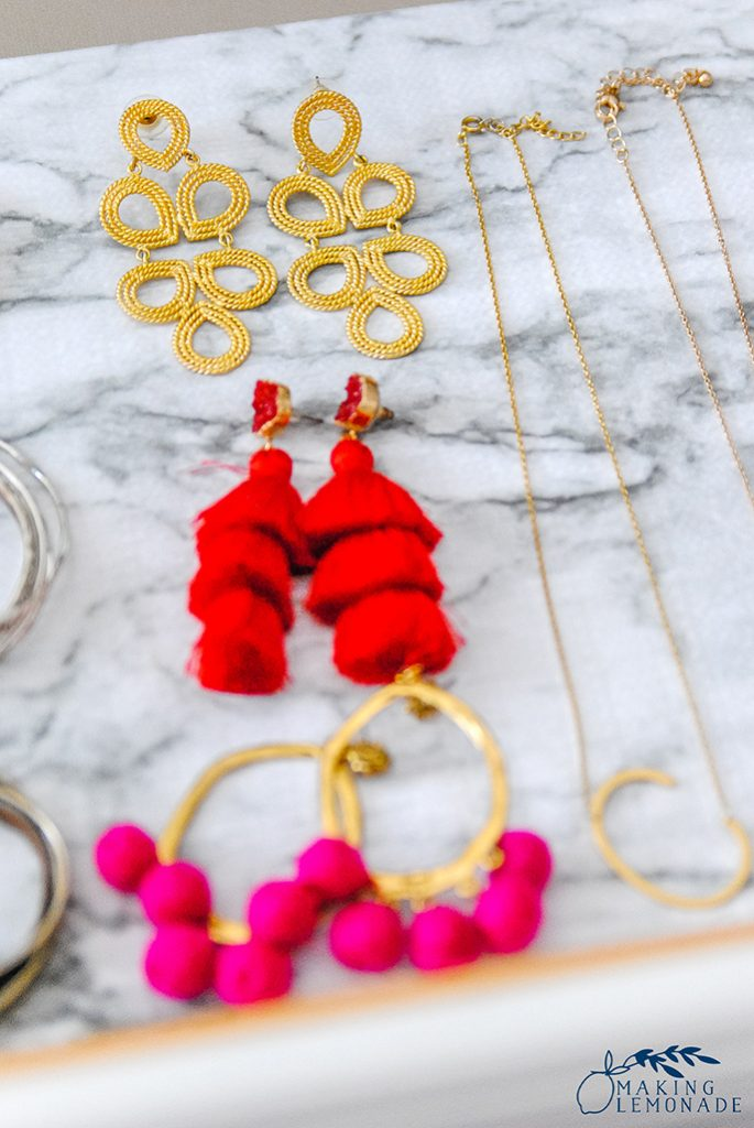 how to organize jewelry and other clever cleaning and organizing hacks!