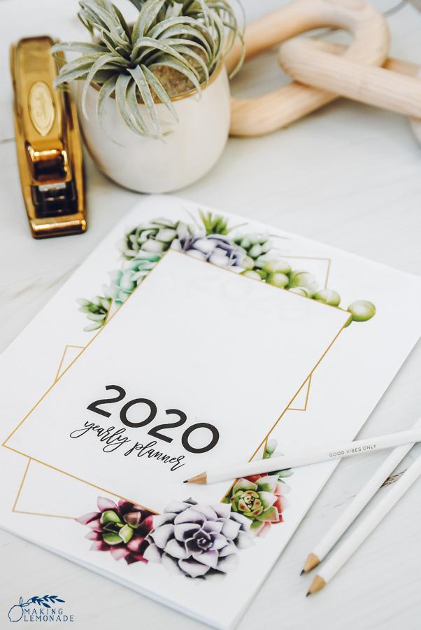 Free 2020 Easy Printable Christmas Organizer It's Here! Get Your FREE 2020 Printable Planner! | Making Lemonade