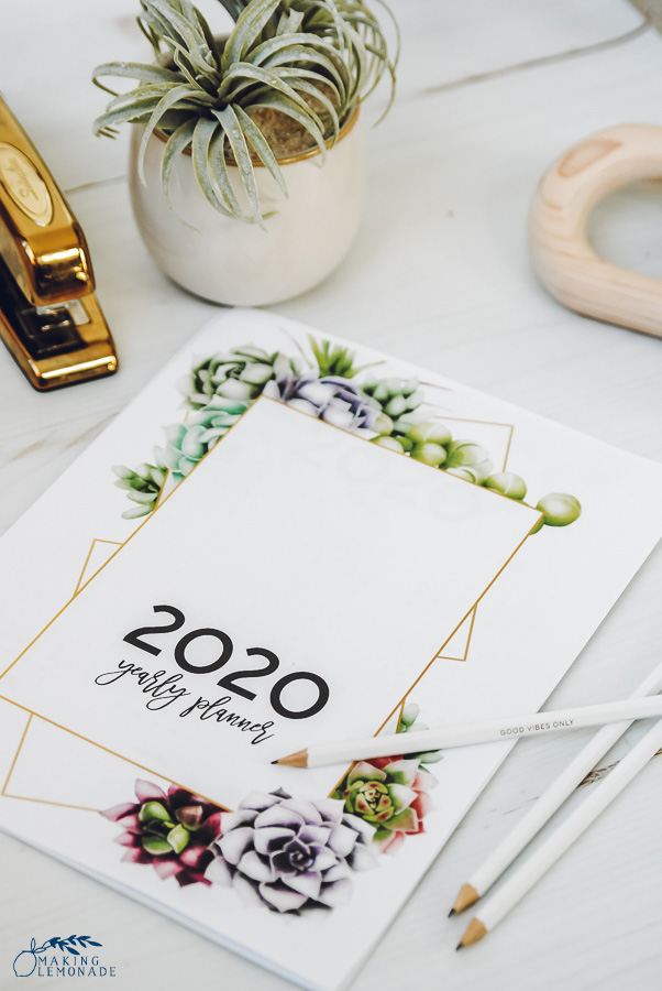 2020 Easy Printable Christmas Organizer It's Here! Get Your FREE 2020 Printable Planner! | Making Lemonade