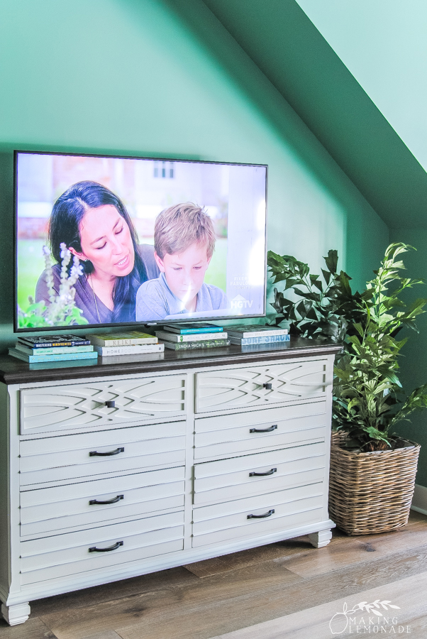 tv on dresser in guest room