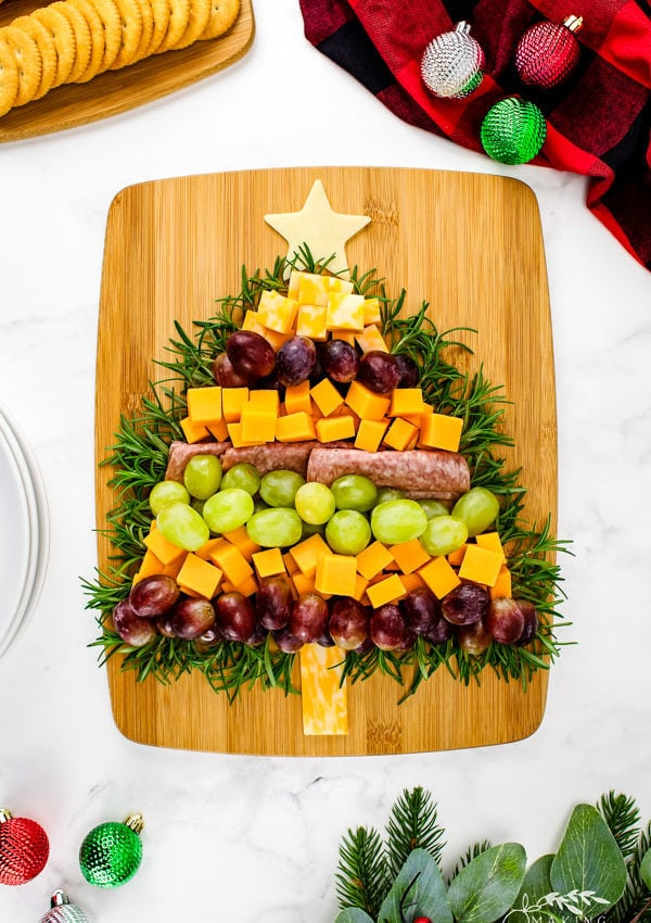 Christmas Tree Charcuterie (Easy Christmas Themed Appetizer)