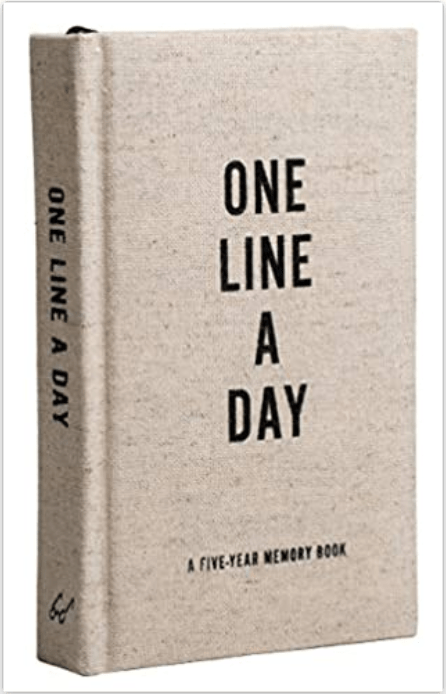 one line a day journal (5 year memory book)